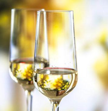 Wino musujące a szampan- czy to to samo?
