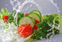 Jak odpowiednio myć warzywa i owoce?