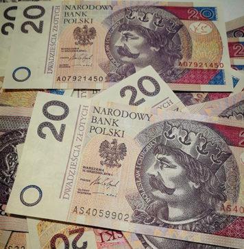 Kredyt dla zadłużonych a umowa zlecenie