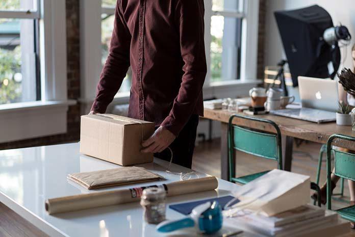 Jak zapakować przesyłkę o niestandardowych wymiarach i kształcie?