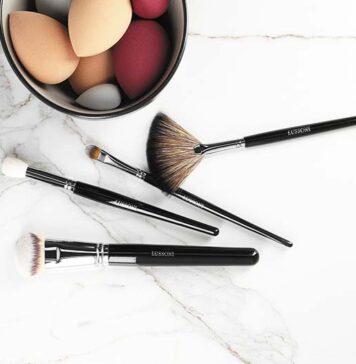 Czym i jak nakładać kosmetyki