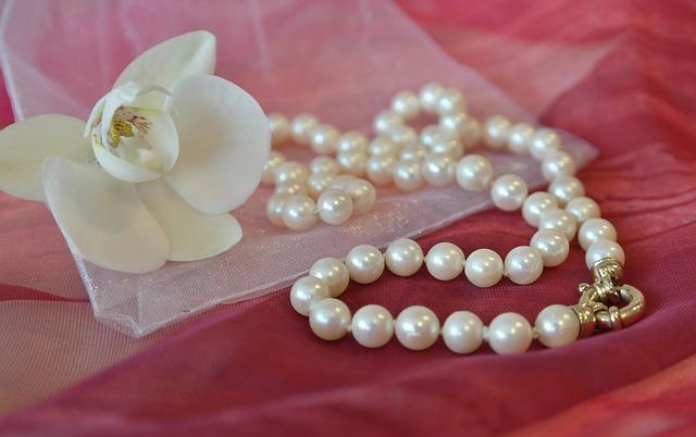 Perły – modny element biżuterii